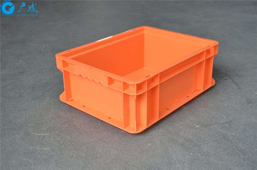 EU43148物流箱平底正面特写