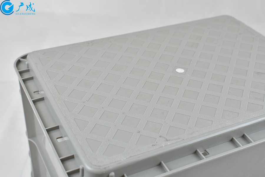 GM4328翻盖物流箱底部特写