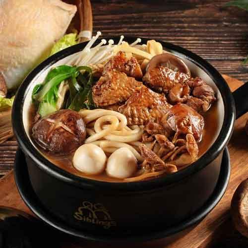 小鸡炖蘑菇土豆粉