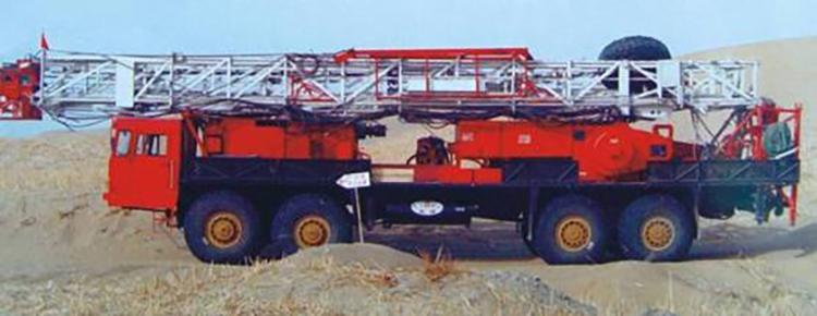 沙漠修井机