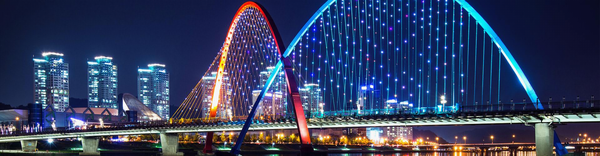 構筑物和特殊景觀元素在照明設計中應符合哪些要求