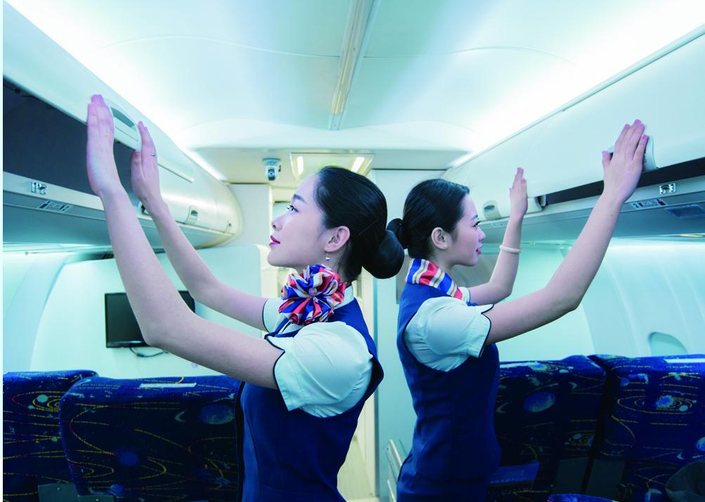 成为一名空乘人员,需要具备哪些条件?