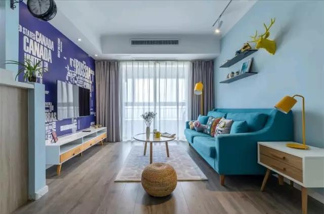 现代简约客厅装修特点—青海梵筑装饰工程有限公司