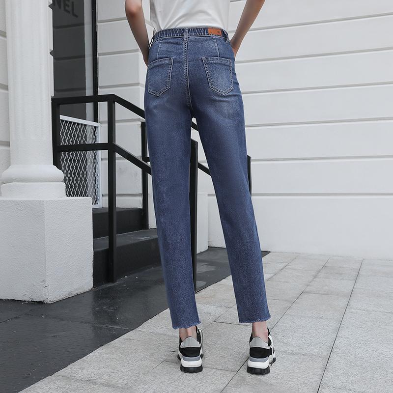 男士牛仔裤怎样搭配会比较帅气呢?