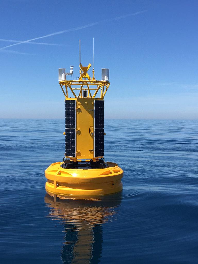 水质监测浮标