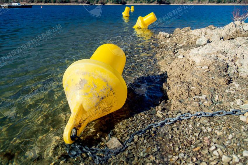 内湖警示浮标