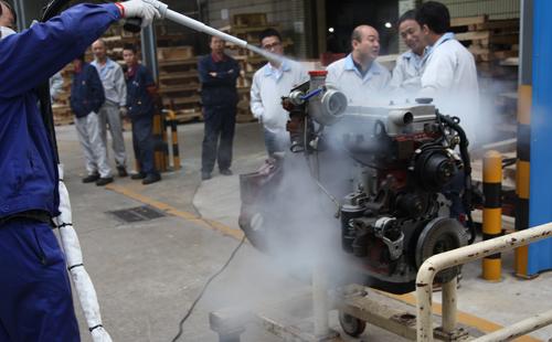 浅谈干冰清洗技术在汽车制造中的应用