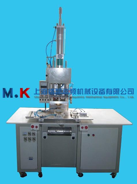 软壳滤器成型机