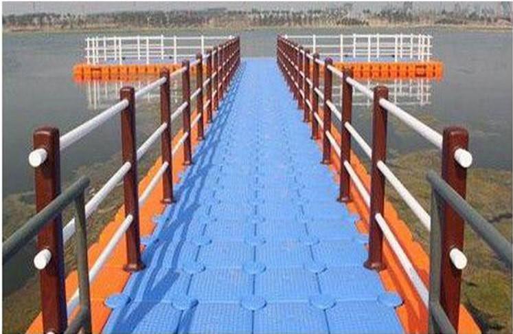 海面水面休闲浮桥