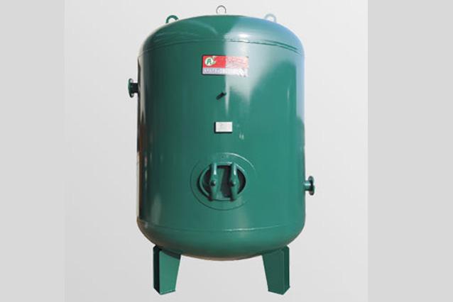 蒸气储气罐
