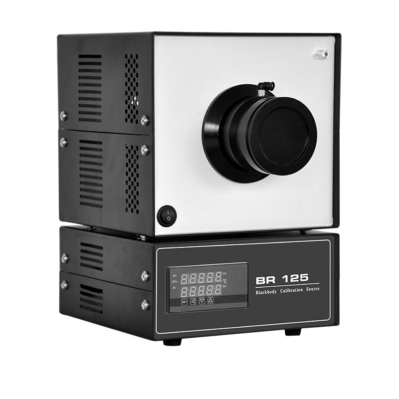 低温黑体辐射源BR125