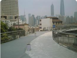 上海市黄浦区复兴东路外滩人行天桥防滑施工现场