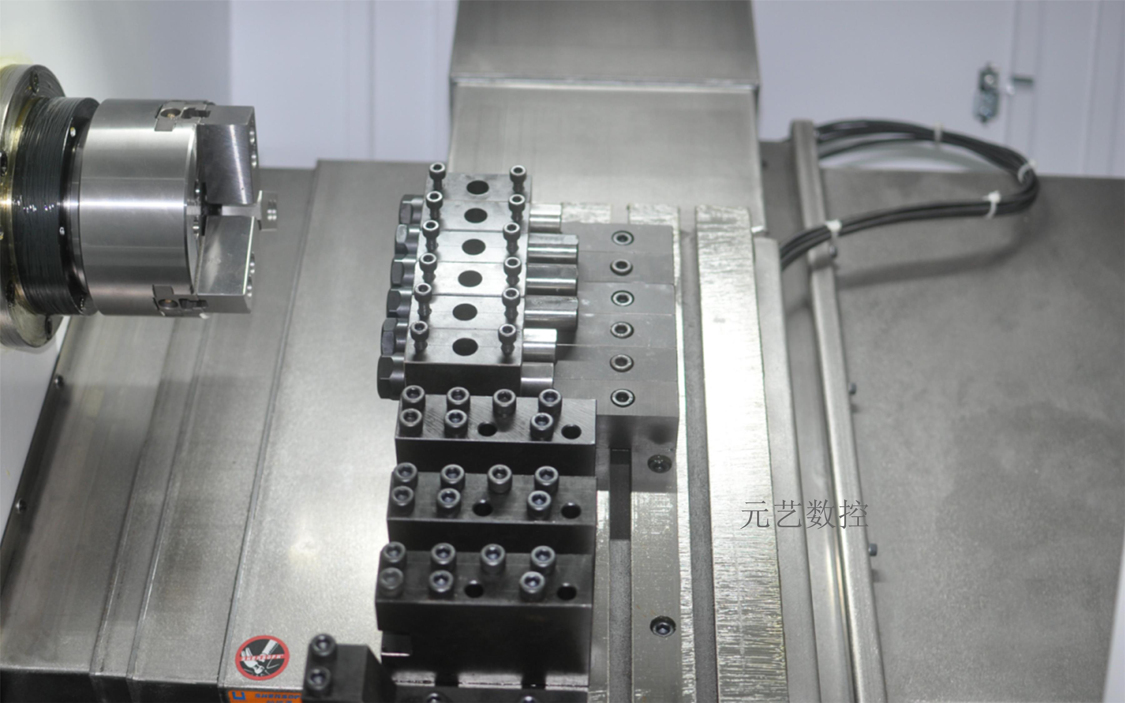CK52X 排刀斜軌精密數控車床