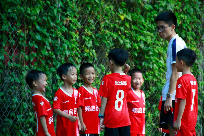 娃娃足球给孩子们带来快乐与健康