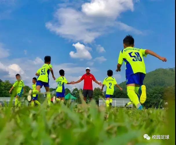一位父亲写给踢球孩子的一封信