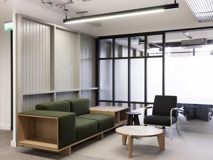 中小型办公室设计沙发会客