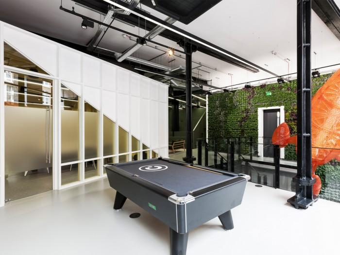 中小型办公室设计台球桌