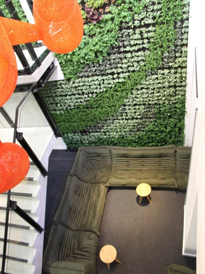 中小型办公室设计绿植墙
