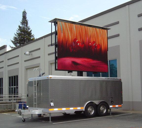 led广告车与电视广告的特点比较分析_简迈传媒