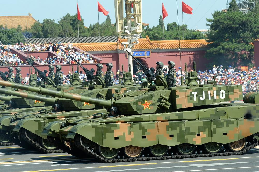 迈入阅兵礼的坦克由谁焊接?看三代兵工人的奋斗人生