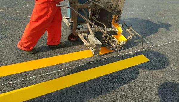 道路黄线划线