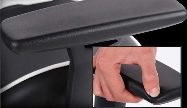 座椅的位置如何调整?