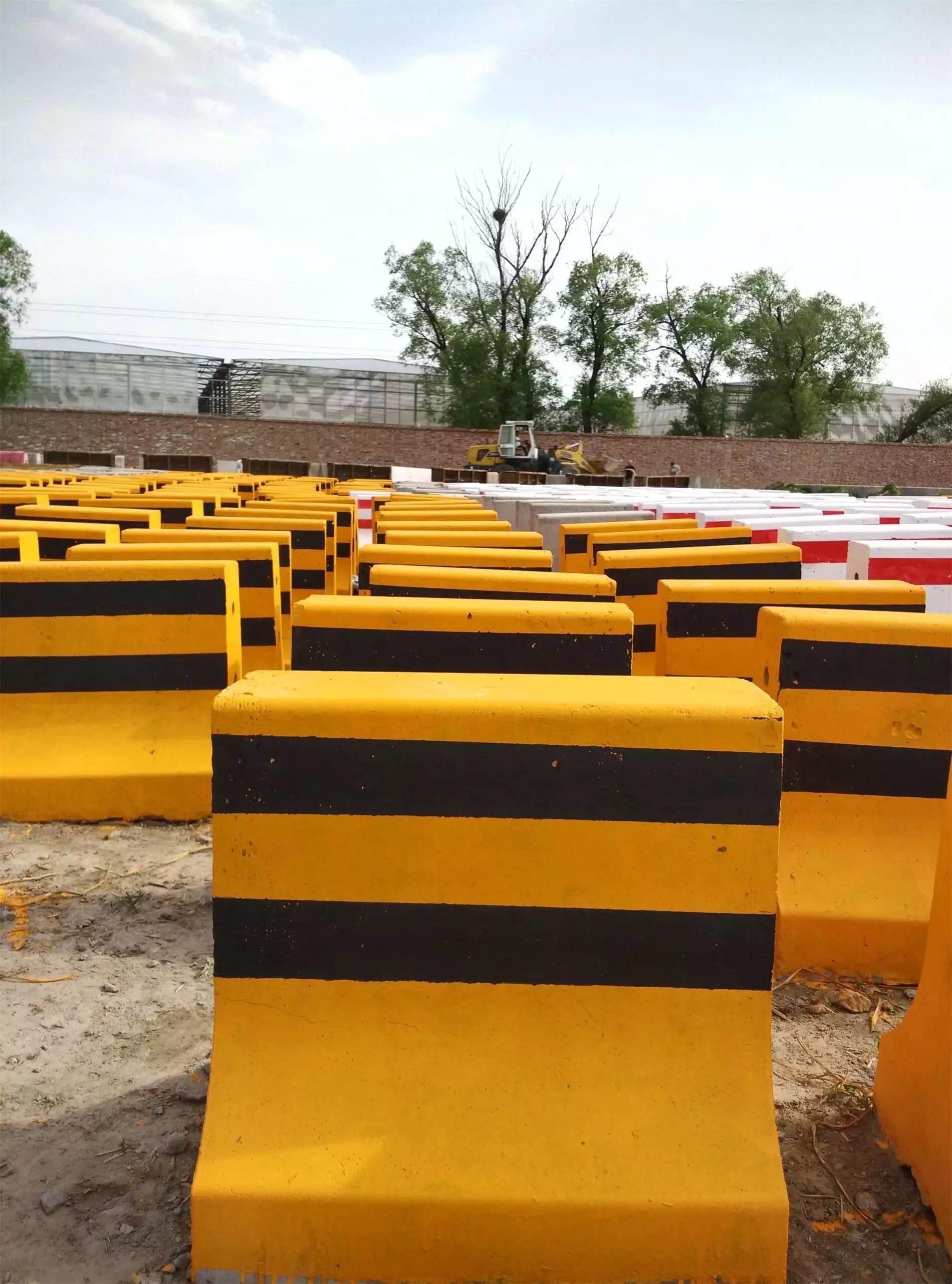 150cm水泥隔离墩