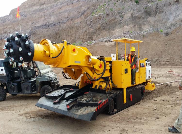 徐工用户说:矿山施工不在话下 徐工挖掘机超强悍!