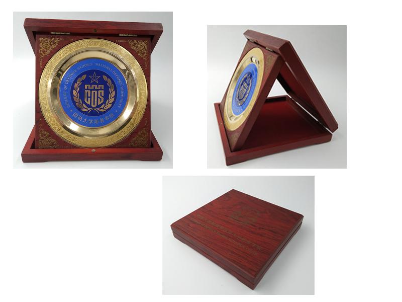 纪念品礼品定制奖牌-可定制礼品LOGO