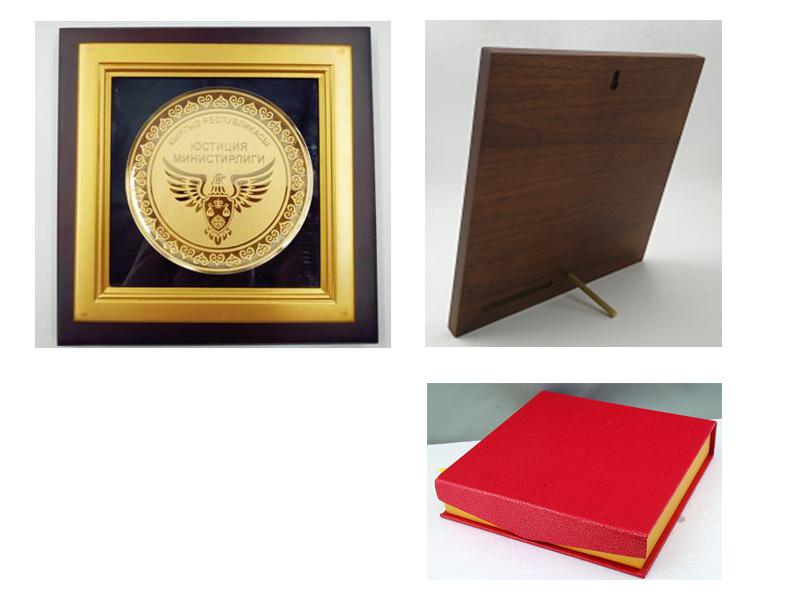 纪念品礼品定制奖牌相框-可定制礼品LOGO