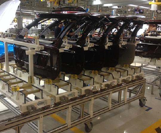 VOLVO XC60 塑料尾门装配生产线