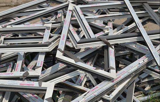 钢铁市场淡季反常,一货难求