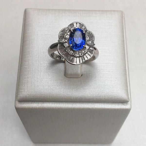 蓝宝石镶铂金镶T钻