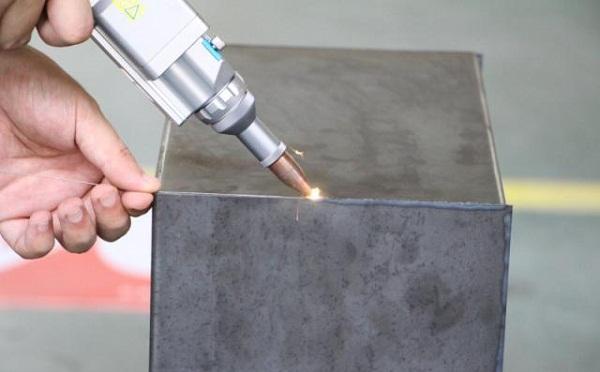 激光焊锡机在行业的应用你知道多少?