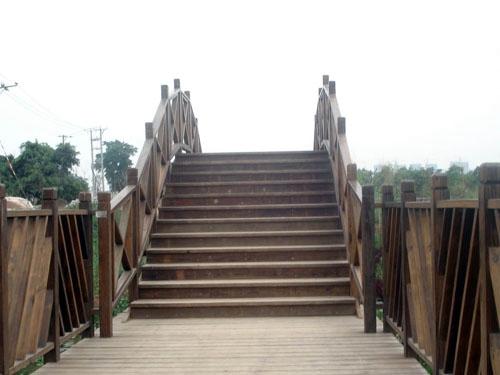 防腐木木桥建造