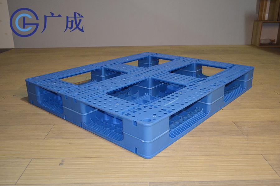1210平板田字塑料托盤反面45度角