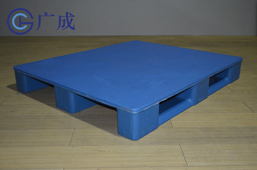 1210平板川字塑料托盤正面45度角