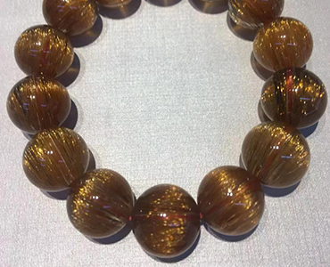 水晶石:稀有矿物,宝石