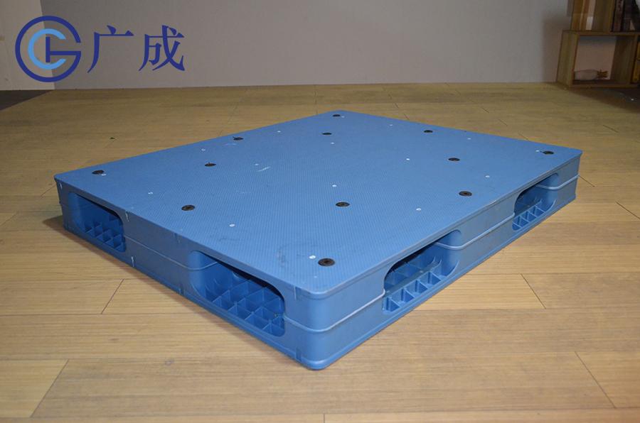 1210平板双面塑料托盘正面45度角