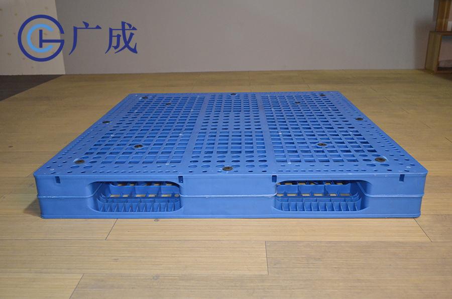 1212网格双面焊接塑料托盘进叉口