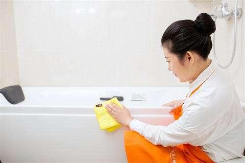 保洁擦玻璃流程?