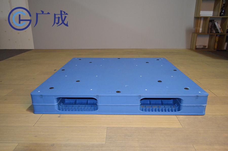 1212平板雙面焊接塑料托盤側面