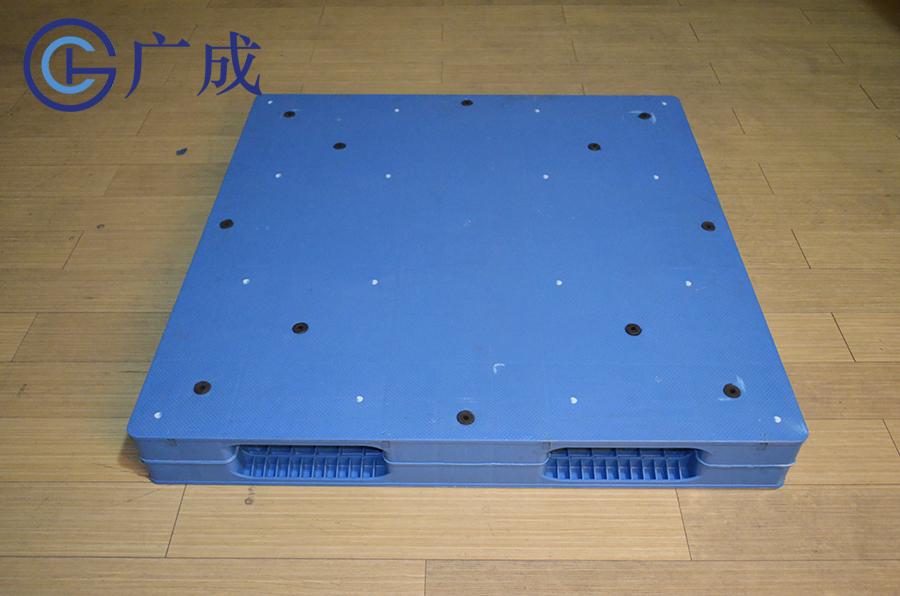 1212平板雙面焊接塑料托盤正面
