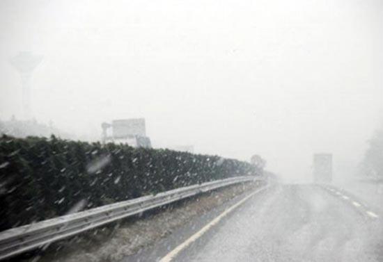 风里,雨里,雪里致胜manbetx注册照样发车