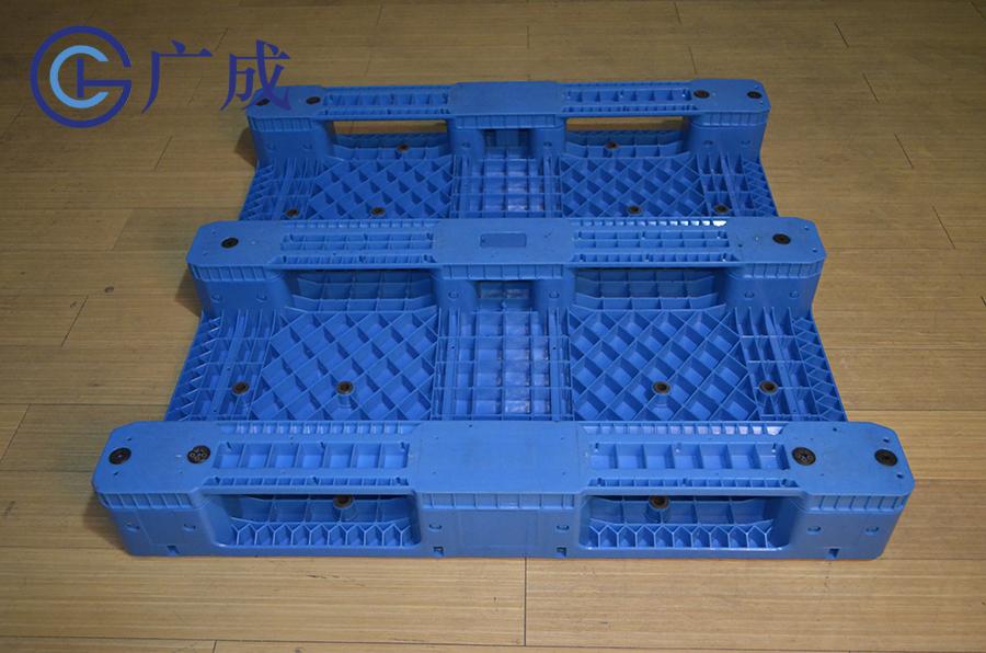 1212B平板川字拼接塑料托盤反面