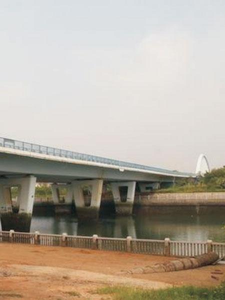 桥梁施工现场