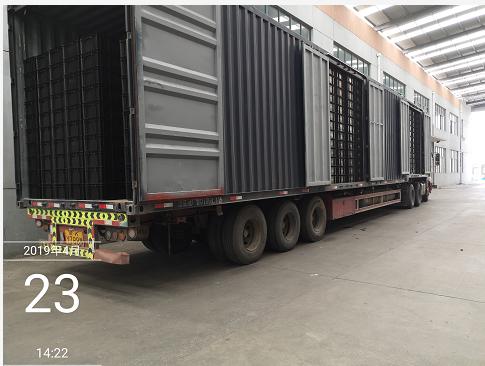 防静电塑料物流箱17.5米厢式车装车图片