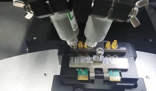 激光錫膏焊機進出口焊接機構