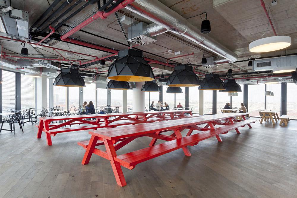办公空间如何打造舒适的光环境?