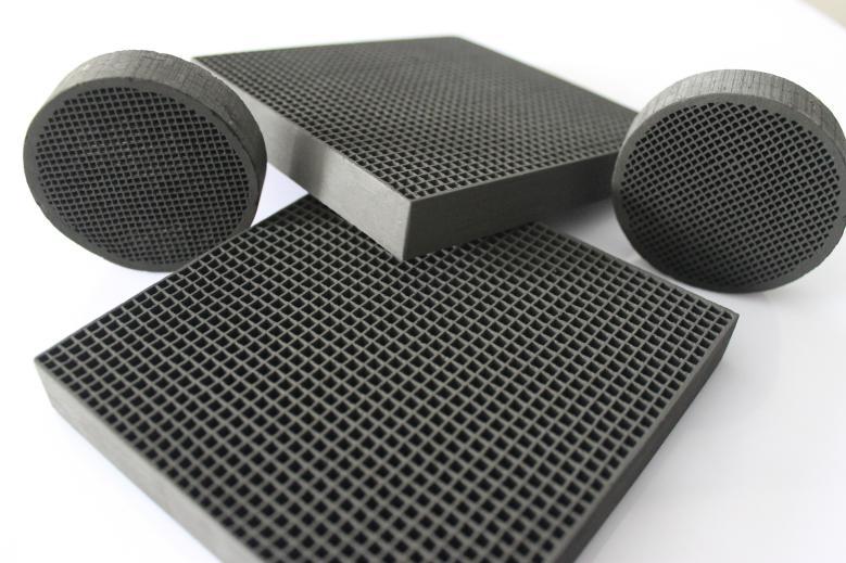 蜂窝活性炭的密度能确保其用量